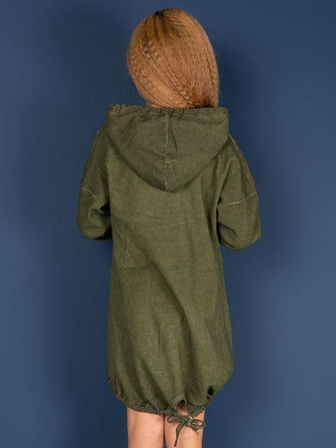 Khaki tunika dla dziewczynki z kapturem i napisem                              zdj.                              2