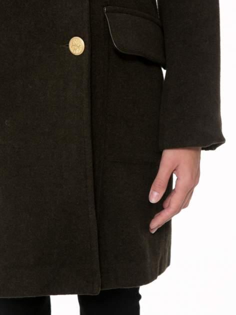 Khaki wełniany płaszcz dwurzędowy z futrzanym kołnierzem                                  zdj.                                  6