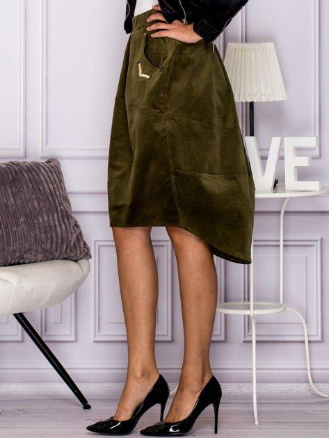 Khaki welurowa spódnica z militarnymi naszywkami                              zdj.                              5