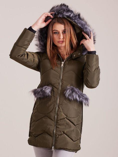 Khaki zimowa kurtka z futrzanym wykończeniem                              zdj.                              6