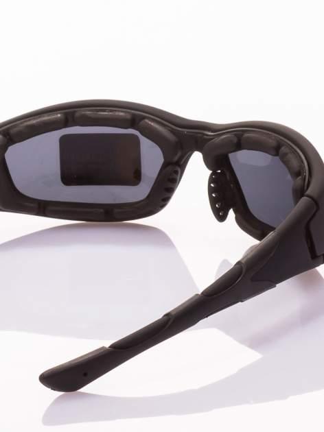 Klasyczne, sportowe okulary przeciwsłoneczne z POLARYZACJĄ