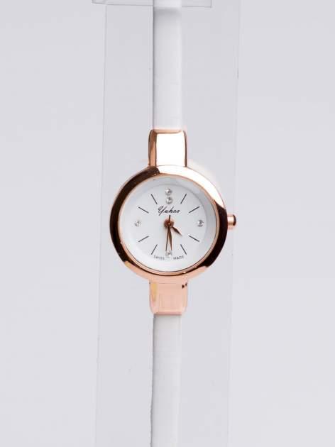 Klasyczny piękny zegarek z cyrkoniami na skórzanym pasku                                  zdj.                                  3