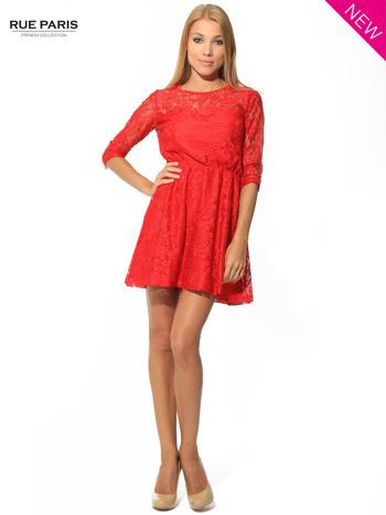 Kloszowana sukienka pokryta na górze czerwoną przezroczystą koronką                                  zdj.                                  3