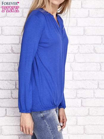 Kobaltowa bluzka ze ściągaczem na dole                              zdj.                              3