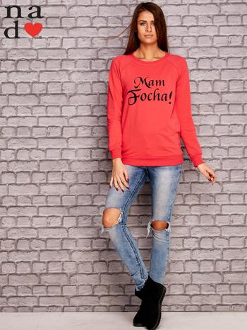Koralowa bluza z napisem MAM FOCHA                                  zdj.                                  2