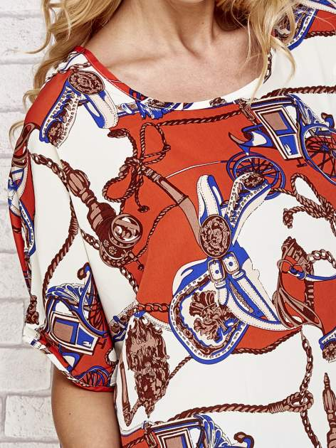 Koralowa bluzka koszulowa z biżuteryjnym nadrukiem                                  zdj.                                  5