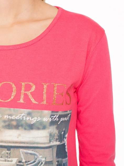 Koralowa bluzka z złotym brokatowym napisem MEMORIES                                  zdj.                                  6