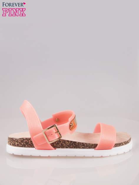 Koralowe sandały z blaszką na korkowej podeszwie                                  zdj.                                  1