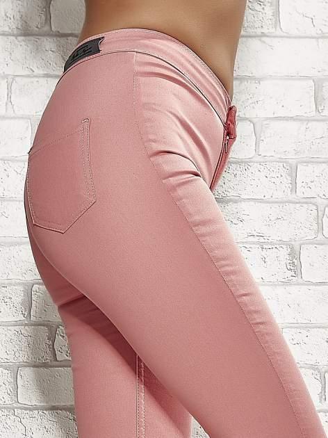 Koralowe spodnie rurki skinny                                  zdj.                                  6