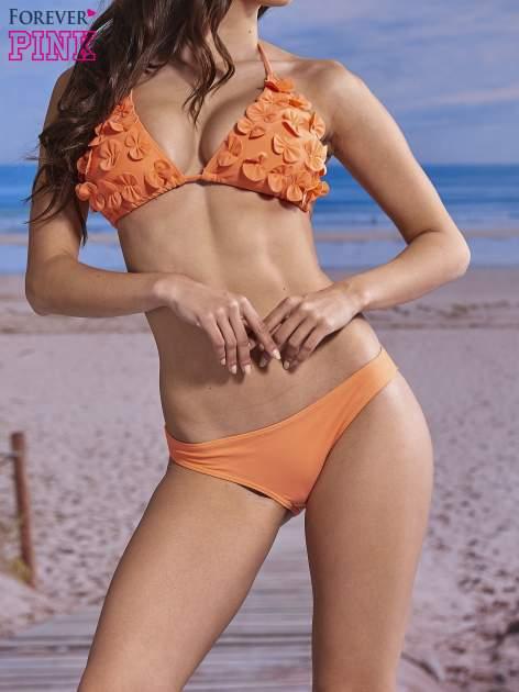 Koralowy stanik od bikini wiązany na szyi z kokardkami na miseczkach                                  zdj.                                  1