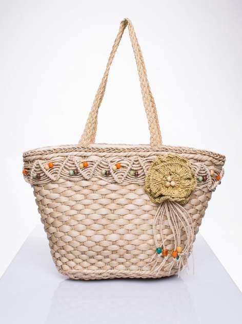 Kremowa torba koszyk plażowy z frędzlem
