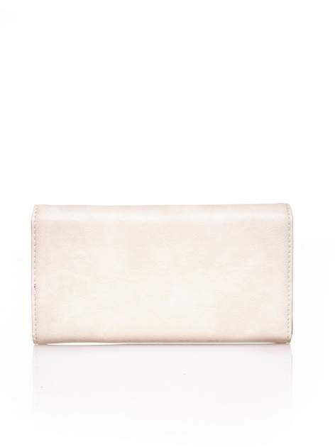 Kremowy portfel z ozdobną aplikacją                                  zdj.                                  3