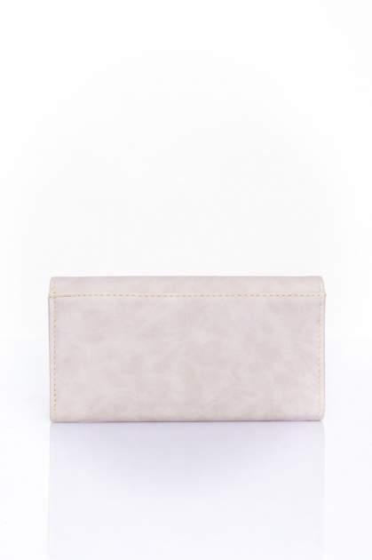 Kremowy zamszowy portfel z geometrycznym motywem                                  zdj.                                  2