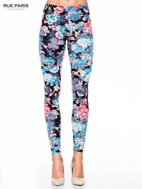 Kwiatowe legginsy w kolorze niebieskim