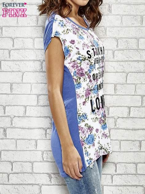 Kwiatowy t-shirt z nadrukiem nazw miast                                  zdj.                                  3