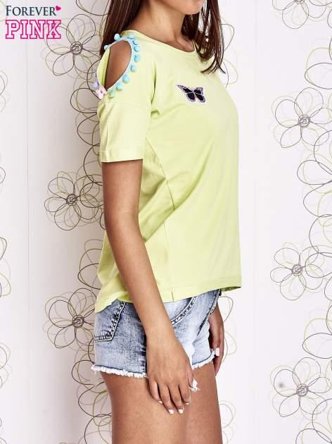 Limonkowy t-shirt z naszywką motyla i pomponami                                  zdj.                                  3