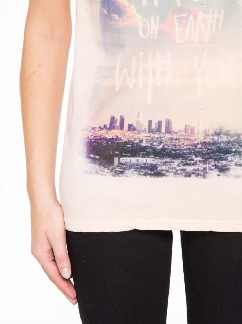 Łososiowy t-shirt z napisem HEAVEN IS A PLACE ON EARTH WITH YOU                                  zdj.                                  6
