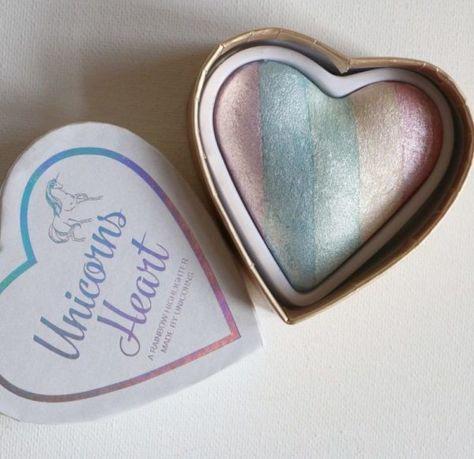 MAKEUP REVOLUTION Rozświetlacz wypiekany Unicorns Heart Baked Highlighter 10g                              zdj.                              5
