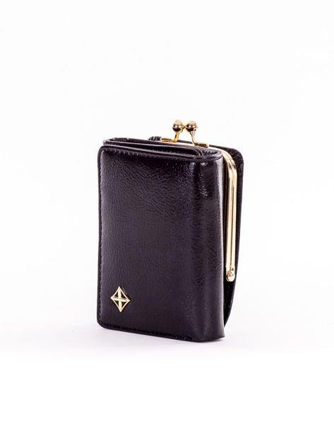 Mały czarny portfel damski z kieszonką na bigiel                              zdj.                              3