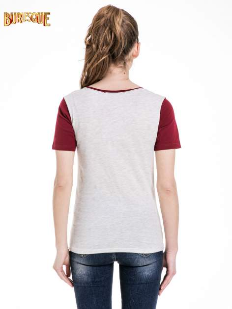 Melanżowo-bordowy t-shirt z nadrukiem FASHION 88                                  zdj.                                  4