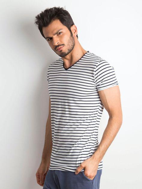 Męska koszulka w paski biało-granatowa                              zdj.                              3
