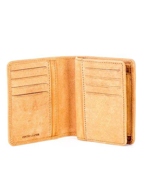 Miękki skórzany portfel camelowy z tłoczeniem                              zdj.                              4