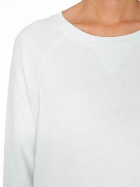 Miętowa bluza oversize z łączonych materiałów                                  zdj.                                  5