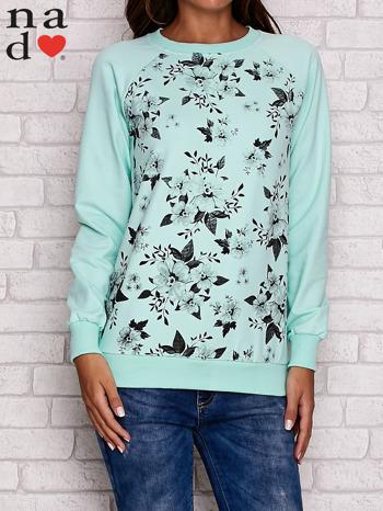Miętowa bluza z kwiatowym nadrukiem