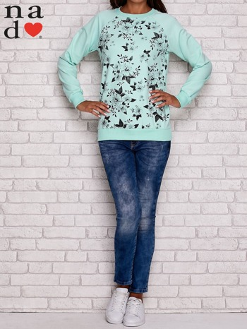 Miętowa bluza z kwiatowym nadrukiem                                  zdj.                                  2