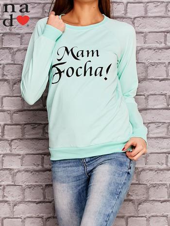 Miętowa bluza z napisem MAM FOCHA                                  zdj.                                  1