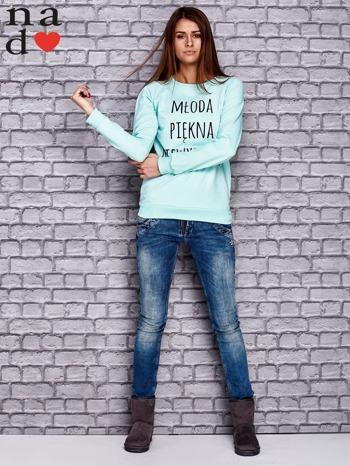 Miętowa bluza z napisem MŁODA PIĘKNA NIEWYSPANA                              zdj.                              2