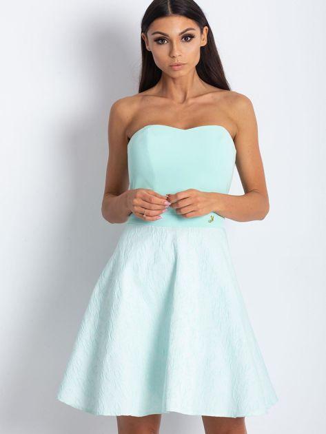 Miętowa rozkloszowana sukienka bez ramiączek                              zdj.                              1