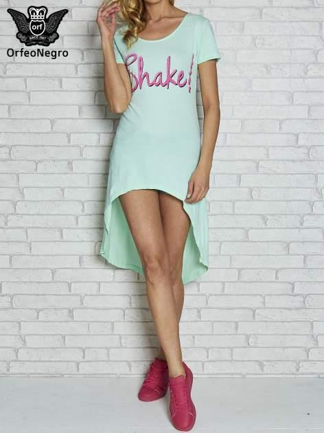 Miętowa sukienka z dłuższym tyłem i napisem SHAKE!