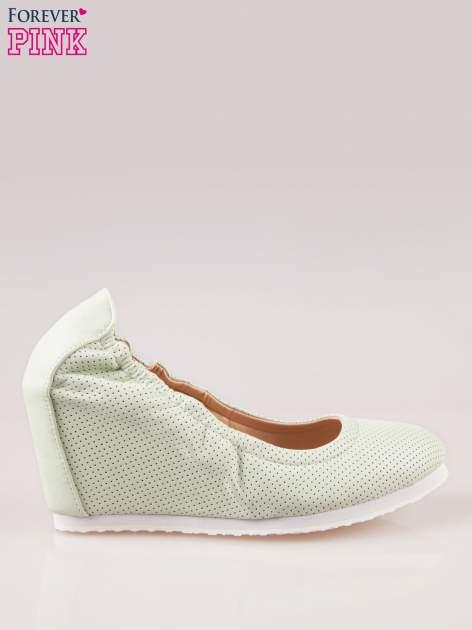 Miętowe siateczkowe buty textile Magical na koturnie                                  zdj.                                  1