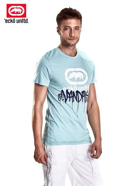 Miętowy t-shirt męski z białym logiem i napisem                                  zdj.                                  2