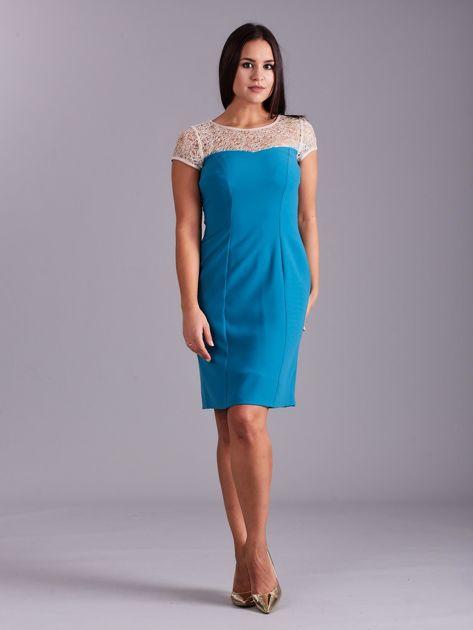 Morska sukienka z ażurowym dekoltem                              zdj.                              4