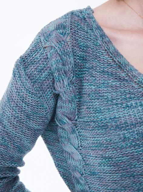 Morski sweter z warkoczowym splotem z przodu                                  zdj.                                  7