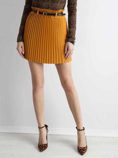 Musztardowa plisowana spódnica z paskiem                              zdj.                              5