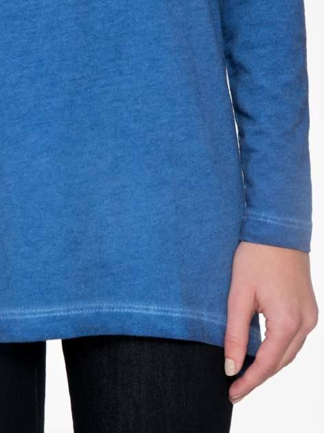 Niebieska bluza z koronkową wstawką na plecach                                  zdj.                                  6