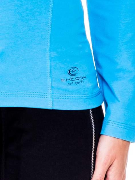 Niebieska bluzka sportowa z dekoltem U                                  zdj.                                  5
