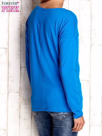 Niebieska bluzka z aplikacją w kształcie sowy                                  zdj.                                  4