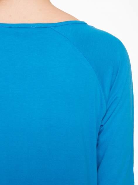 Niebieska bluzka z marszczonym dekoltem i rękawkami 3/4                                  zdj.                                  7