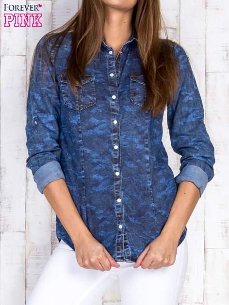 Niebieska damska koszula jeansowa w moro                                  zdj.                                  1