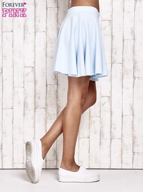 Niebieska dresowa spódnica szyta z koła                                  zdj.                                  3
