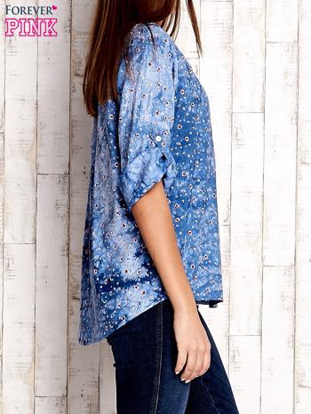 Niebieska koszula w malarskie desenie                                  zdj.                                  3