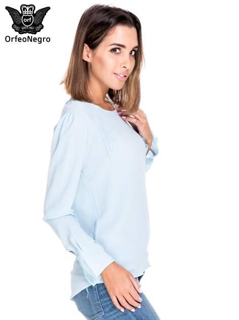 Niebieska koszula z wycięciem na plecach                                  zdj.                                  3