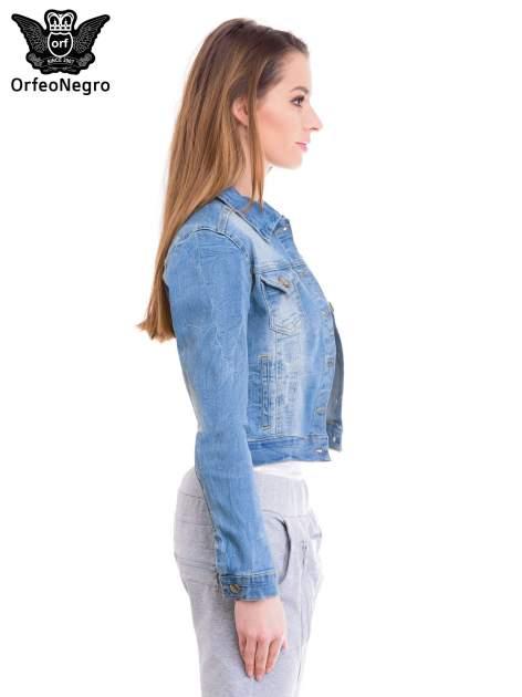 Niebieska kurtka jeansowa damska z efektem gniecenia                                  zdj.                                  3