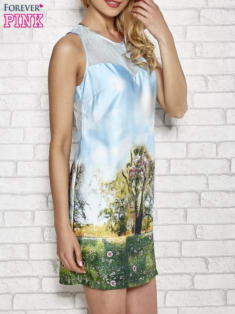 Niebieska malowana sukienka z siateczkowym karczkiem                                  zdj.                                  3