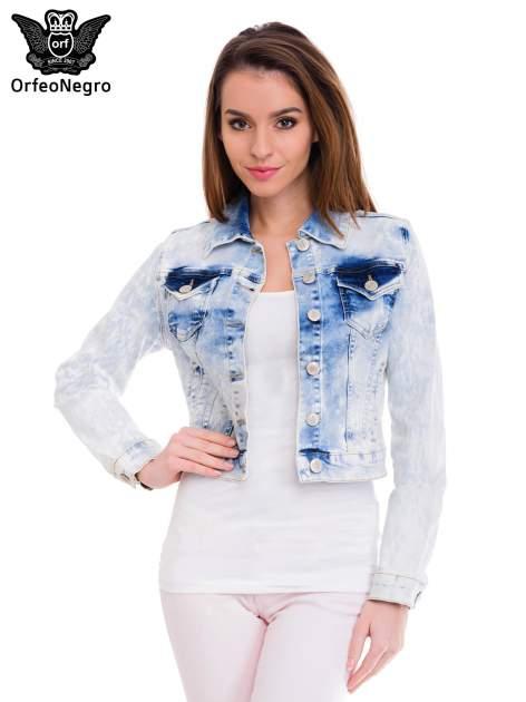 Niebieska marmurkowa kurtka jeansowa damska