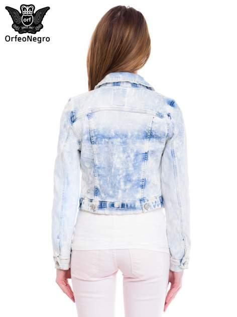 Niebieska marmurkowa kurtka jeansowa damska                                  zdj.                                  4